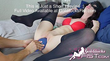 Goldilocksfist huge plug insertion in loose fur pie