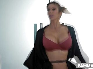 Mommy what are u doing here - alexis fawx
