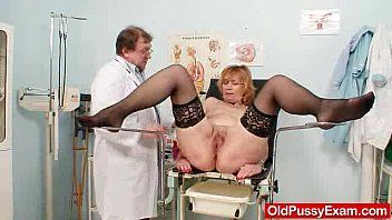 Redhead gran fur pie gaping at gyno clinic